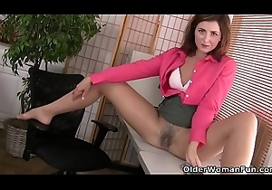 American milf Helena doesn'_t strike bloomers handy be transferred to assignation