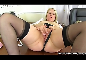 British milf Michelle needs to pleasure their way love hole